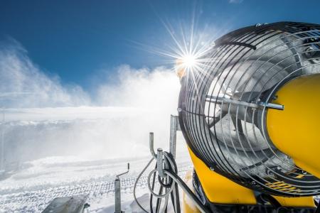 Schneeerzeuger, © Weisse Arena Bergbahnen AG,  Daniel Ammann
