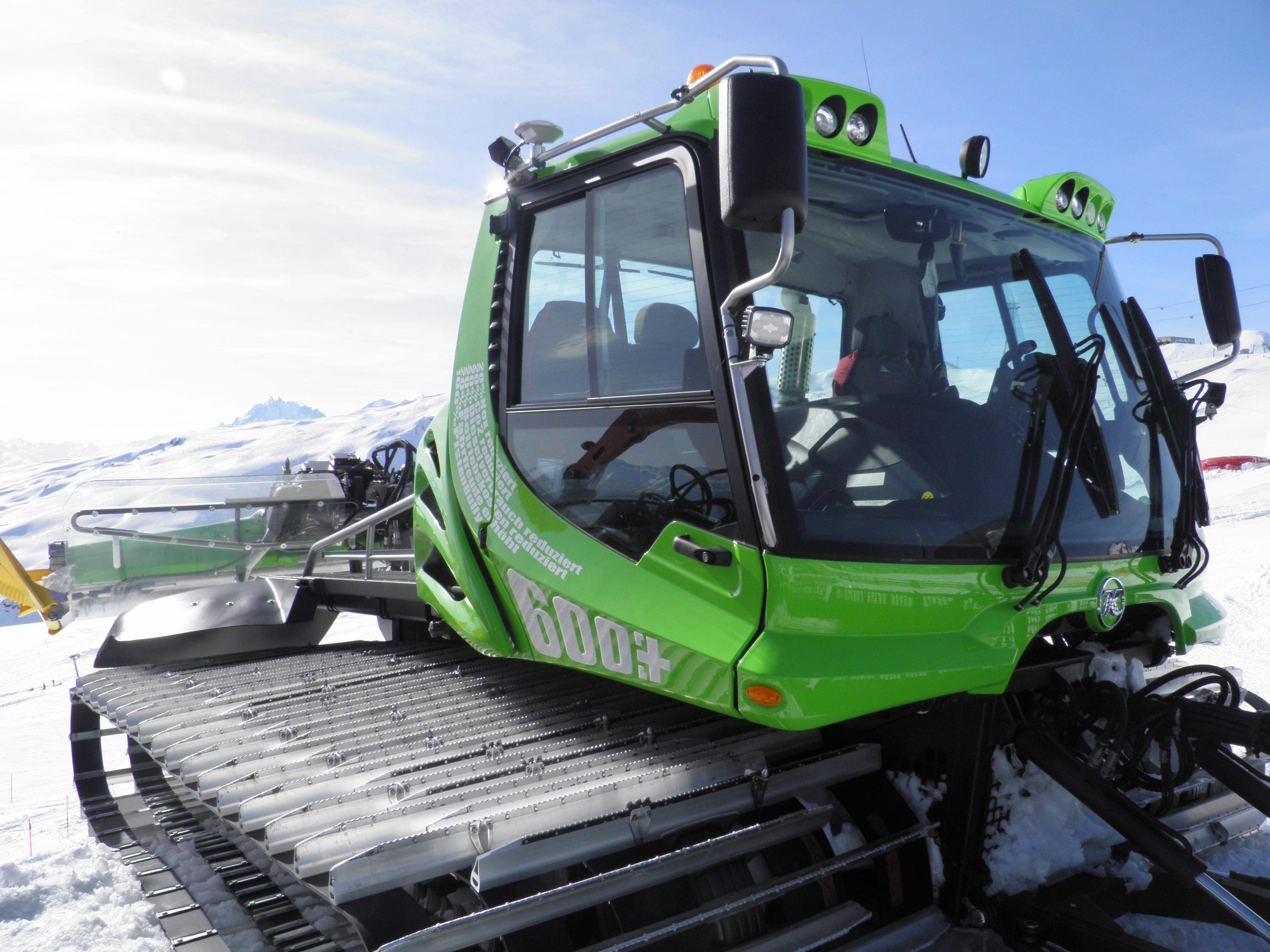 Pistenbully E 600 plus (Hybrid), © Weisse Arena Bergbahnen AG