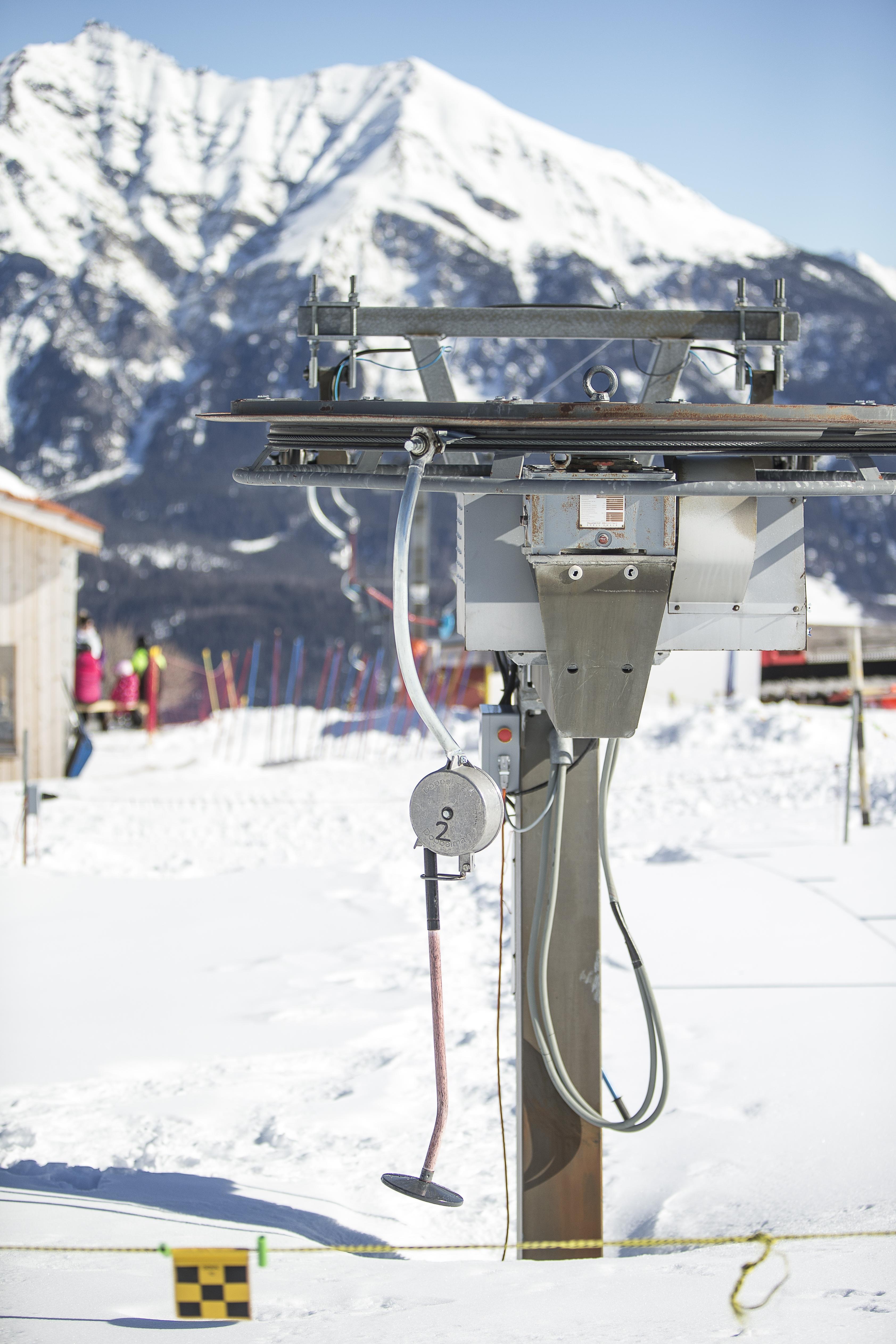 Umlenkrad Skilift Obermutten, © Bergbahnen Graubünden, Thomas Hablützel